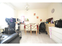 A top floor one double bedroom flat located moments away from Wood Green Tube station, N22