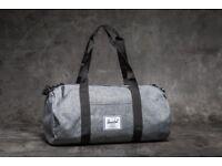 HerschelSutton Mid-Volume Duffle Bag