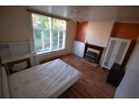 Large double room to let rent Beeston Nottingham All bills included NO FEES