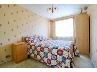 Good size double room in a shared house with garden on Caistor Road, Balham 30th Aug £650