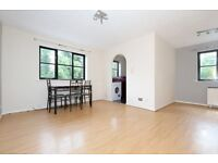 Large, Stylish Studio Flat Located Close to White Hart Lane Station and Bustling High Road