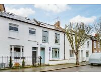 A lovely three double bedroom house on Orbain Road with garden!