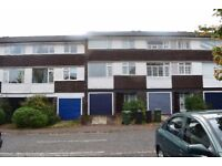 *** Modern Four Double Bedroom House Within A Short Walk Of West Dulwich Station ***