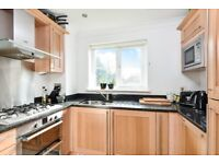 An immaculate two bedroom apartment to rent on The Avenue- Close to Beckenham Junction Station!