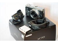 Fujifilm X70 16.3 MP Compact Digital Camera 1080p video and spare battery