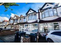 Well Presented Mid-Terrace House With Private Garden In Thornton Heath - CR7
