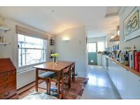 PERFECT flat in quiet, sunny street between Clapham and Brixton