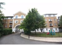 3 DOUBLE BEDROOM FLAT WITH EAT IN KITCHEN CLOSE TO THE AMENITIES OF TUFNELL PARK AND ARCHWAY!
