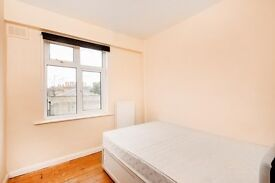 Stunning flat in the heart of Zone 1! DOnt miss this deal.