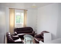 Bright 2 bed flat with great location!