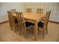 !!!!EXTENDING OAK DINING TABLE WITH 6 CHAIRS!!!!