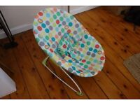 Newborn bouncy chair