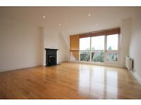 An Absolutely Stunning 3 x Bedroom Penthouse in the heart of South Hampstead 07473792649