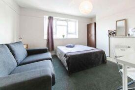 *AMAZING DEAL £300 DEPOSIT* - Huge & Cheap Double Room