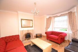 Large 3 4 double bedroom house with large garden and off-street parking in West Acton W3