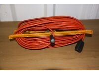 LAWNMOWER / HEDGE TRIMMER EXTENSION LEAD