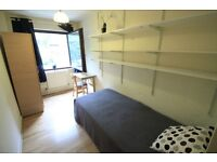 BIG SINGLE ROOM IN KENTISH TOWN! COMPLETELY FURNISHED WITH A GARDEN! GREAT PRICE! (21S)