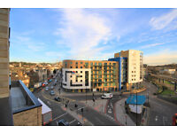 Stunning three bedroom apartment in the brand new Glassworks Development