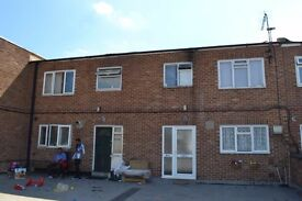 FANTASTIC 4 BEDROOM MAISONETTE IN ROMFORD*** BIG KITCHEN AND LIVING ROOM*** HUGE TERRACE/ GARDEN!