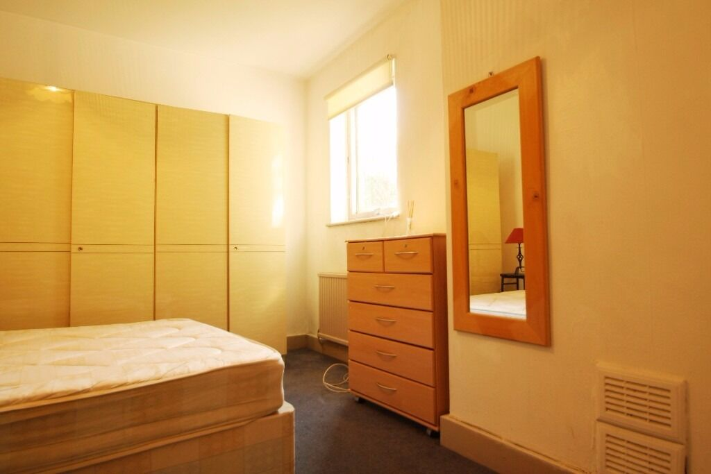 All Bills Included! Furnished Double Room Close To Seven Sisters Victoria Line Tube, British Railway