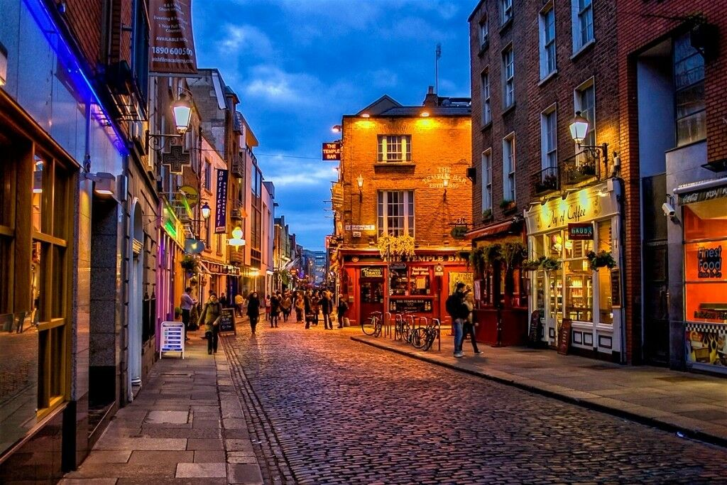1 return flight ticket Birmingham - Dublin 27.DEC