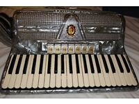 Marinucci 780 accordion classic 60s quality Italian made.Rare model, tested by professional repairer