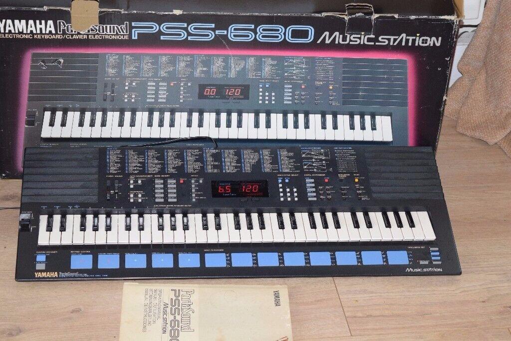 YAMAHA PSS-680 KEYBOARD INSTRUCTION/POWER/BOX CAN BE SEEN WORKING