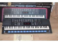 YAMAHA PSS-680 KEYBOARD INSTRUCTION/POWER/BOX CAN BE SEEN WORKING