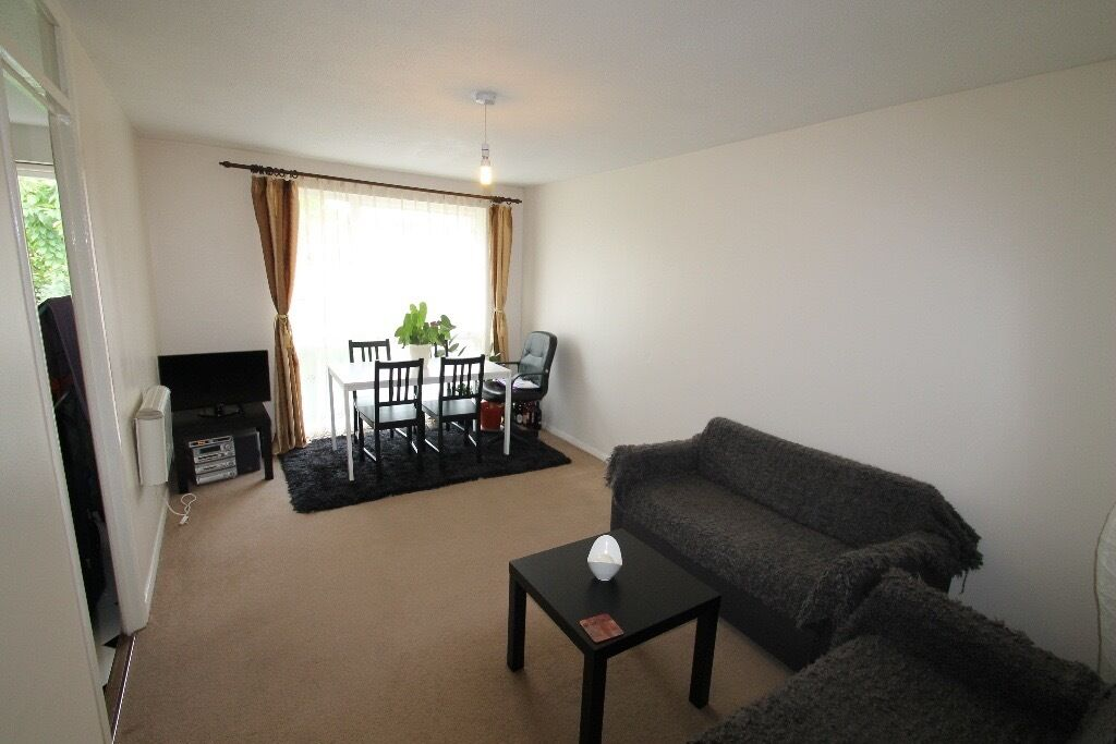LOVELY ONE BEDROOM FLAT IN CHIGWELL *DSS ACCEPTED*