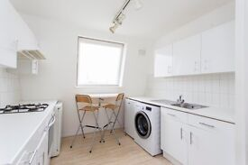 2 bedroom on Queens Crescent - £400 per week - modern interior