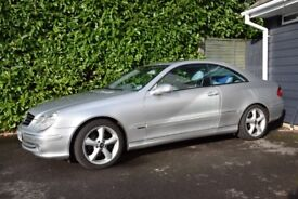 2004 (04) Mercedes CLK 320 with 3.2 litre, 6 cylinder petrol engine & grey leather upholstery.