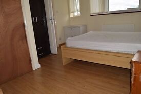 Very large double room en suite with bills included