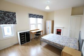6 Rooms within shared accommodation