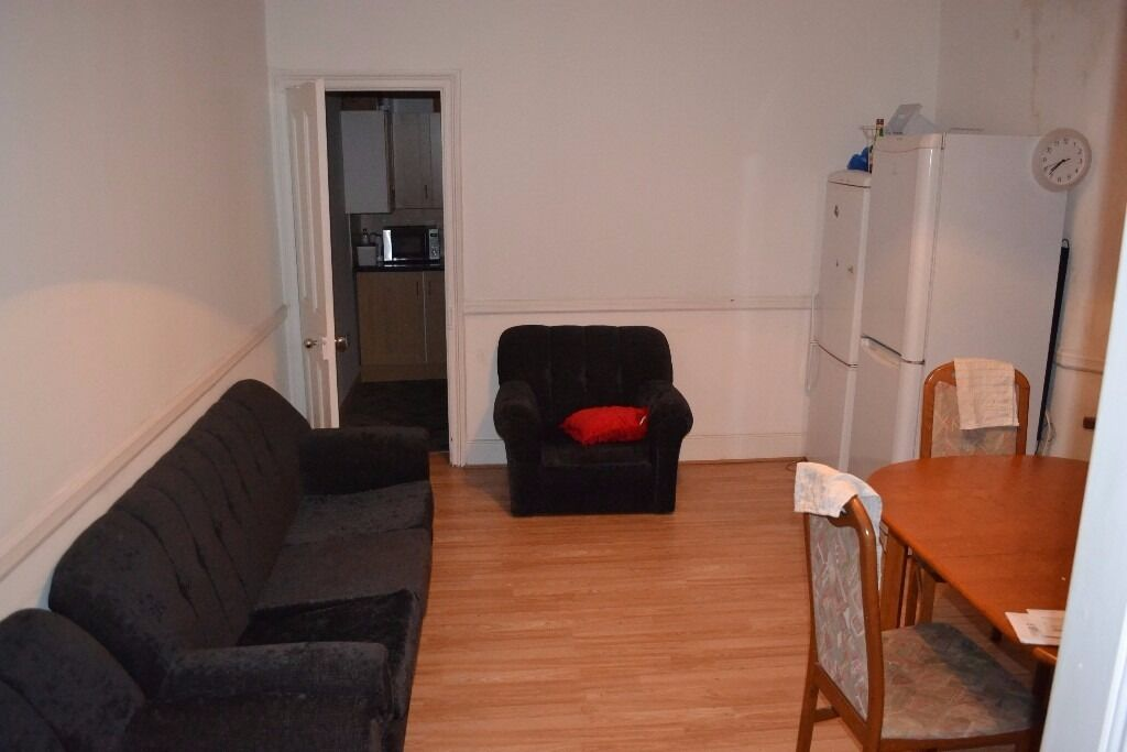 1 Single & Double Room Now Available***Bills and Wifi Included***Tube Only 10mins Away!!