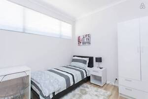 FF All Bills Inc CLEAN ROOM/HOUSE TO RENT EVP Near Curtin FEMALES East Victoria Park Victoria Park Area Preview