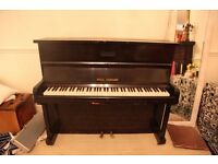 90£ for a perfect condition Upright Piano