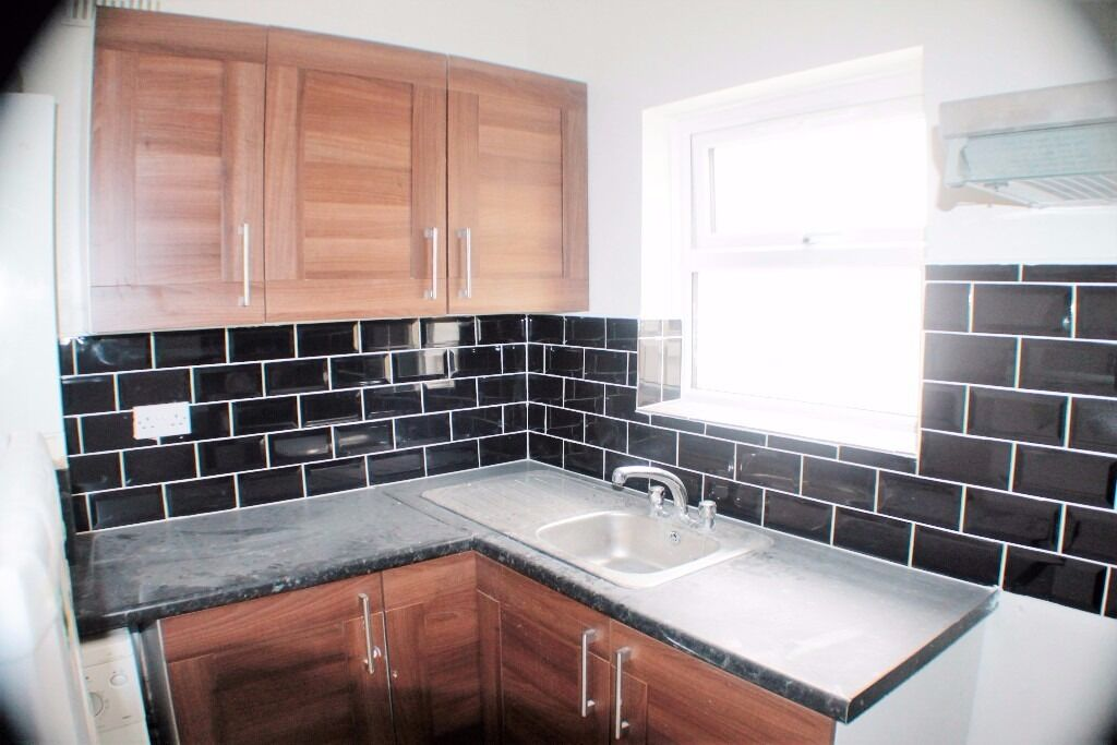 3 BEDROOM FLAT TO RENT IN FORESTGATE¦AVAILABLE NOW¦CLOSE TO ALL THE LOCAL SHOPS AND TRANSPORT LINKS