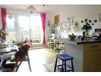 Lovely artistic flat to rent for 2 weeks from 1/August -15/August for 2 people