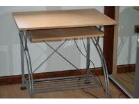 Computer table with sliding shelf in excellent condition