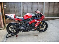 2006 R1 converted for track use,comes with a full set of aftermarket road bodywork