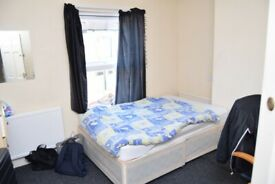 Clean Room Available in Shared 3 Bed House