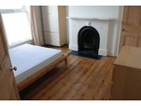 DOUBLE ROOM AVAILABLE IN PROFESSIONAL HOUSESHARE IN POPULAR AREA OF SMITHDOWN L15.
