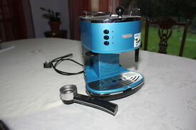 DeLonghi Espresso machine with milk frother