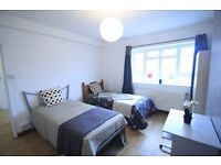 FANTASTIC DOUBLE/TWIN ROOM IN STOCKWELL IN REALLY CLEAN AND SUNSHINE HOUSE!!!!ZONE1/2