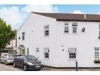 Charming 2 bedroom Richmond cottage, within easy reach of Richmond town centre.