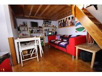 IN TRENDY CAMDEN STUNNING MODERN LOFT STYLE STUDIO FLAT 2 MINS TUBE,CANAL, LOCK AND SUPERMARKET