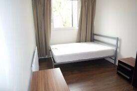 NEW MODERN room in CANARY WHARF !
