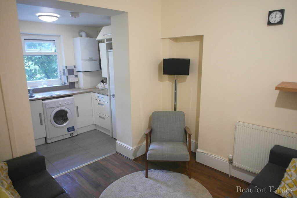 SPACIOUS 5 DOUBLE BEDROOM MAISONETTE MOMENTS FROM BOTH ARCHWAY & TUFNELL PARK UNDERGROUND STATIONS