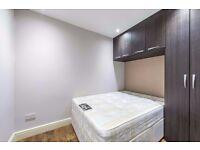 £0 AGENCY FEES ! ! !Stunning 3 Bedroom Flat In Dulwich/Peckham Rye - To Rent!!