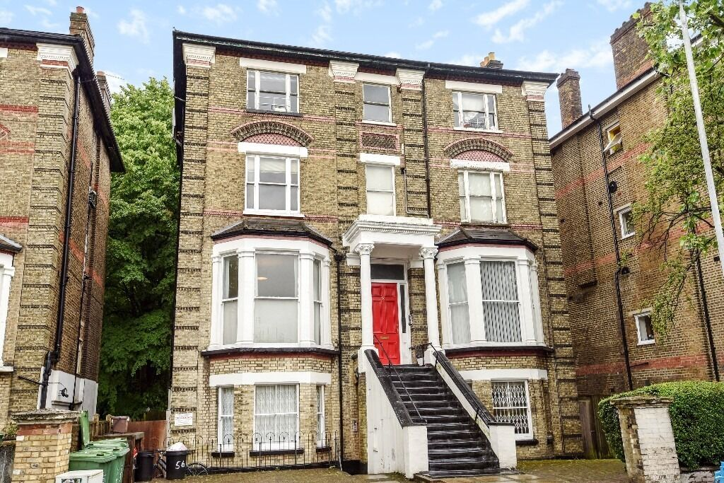 A lovely studio flat located in the heart of West Hampstead.